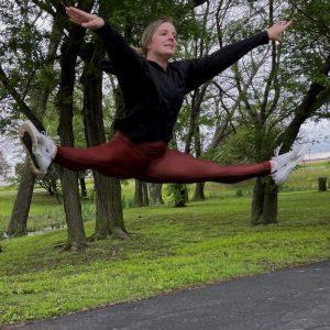 Autumn Hohman Jumping Splits